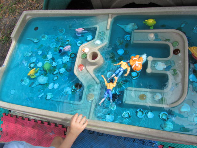 Waterbed with real fish inside for Waterbed with fish