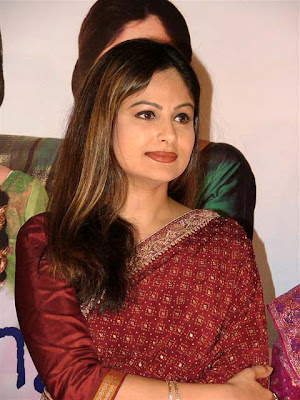 Ayesha Jhulka Wallpapers