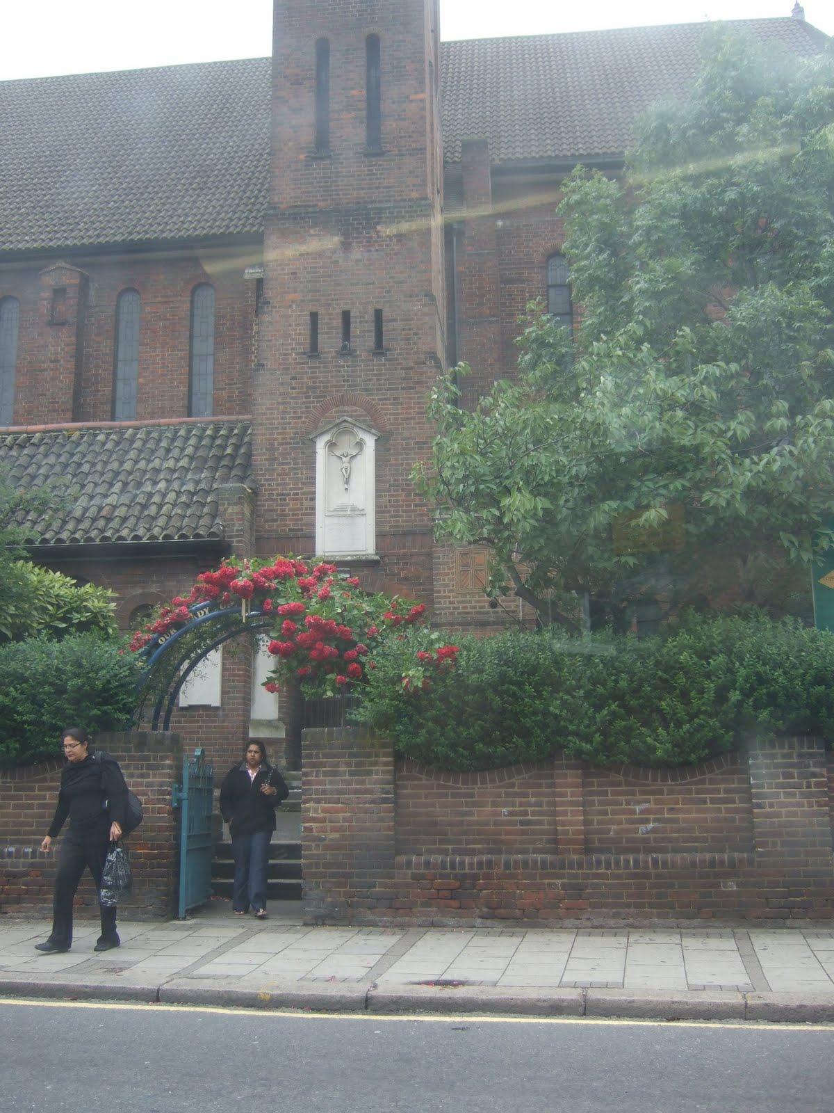 http://4.bp.blogspot.com/-bvQwSPsl5dY/TfYz-A36WlI/AAAAAAAACbI/rMSZsKg_Ixs/s1600/W+Our+Lady+of+Willesden+Church.jpg