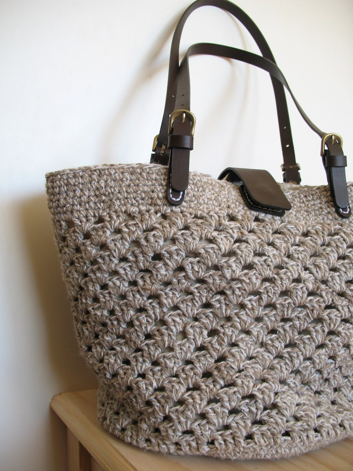 New Crochet Bags : Pattern for Seaside Tote can be found on
