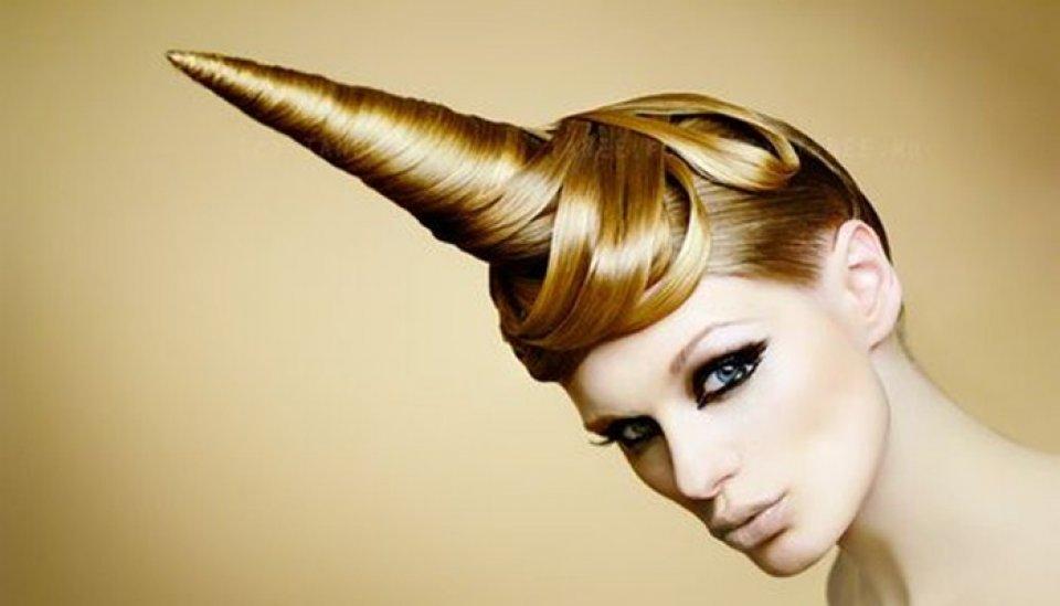 Estan de moda los peinados de unicornios peinados bonitos - Que peinados estan de moda ...