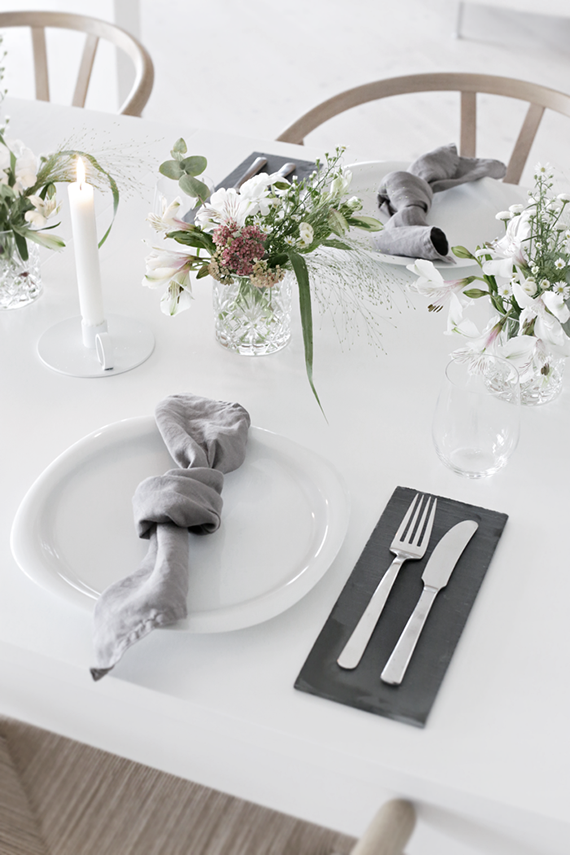 Understated festive table setting ideas | Stylizimo