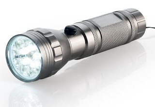 Latarka LED z laserem z Biedronki