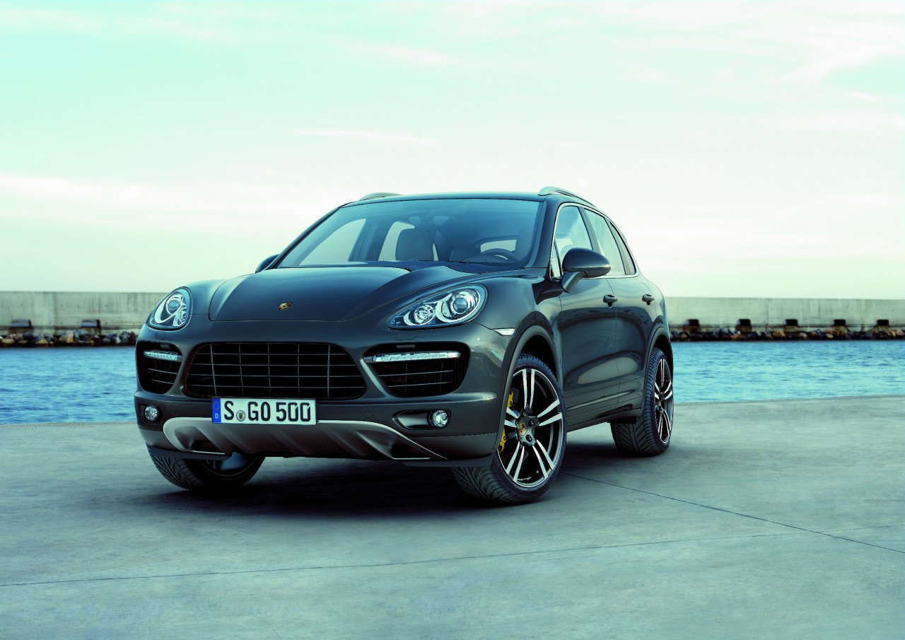 all cars 4 u porsche cayenne 2010. Black Bedroom Furniture Sets. Home Design Ideas