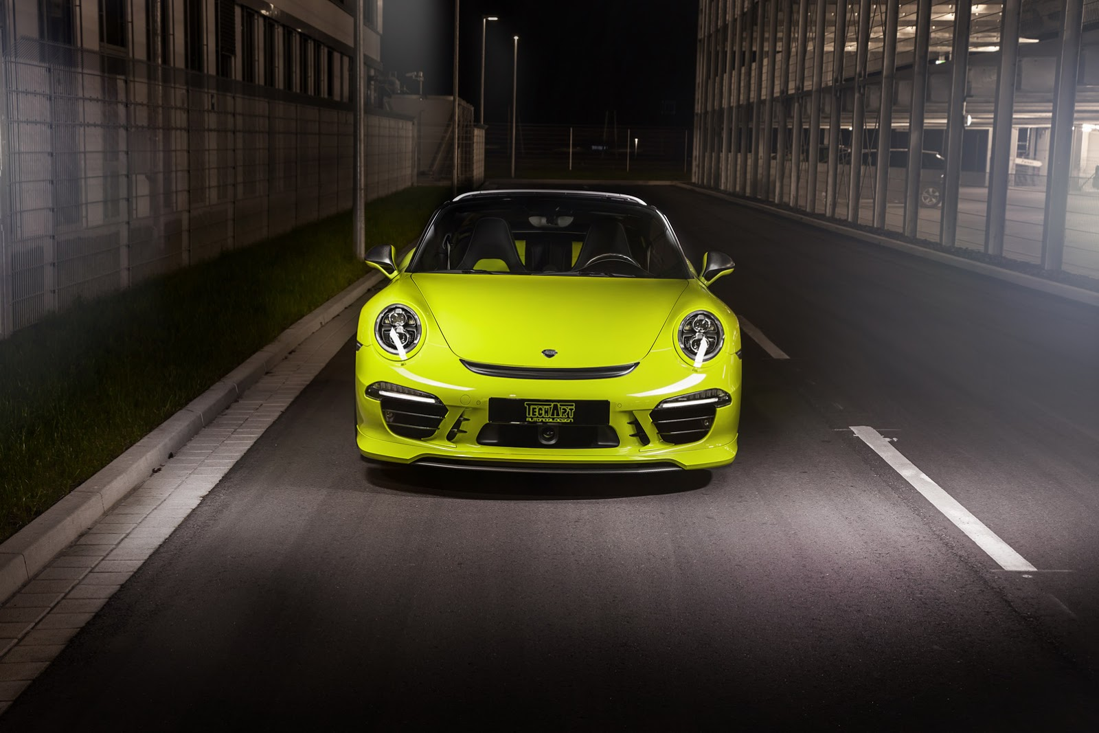 Cars colored yellow - Photo Gallery