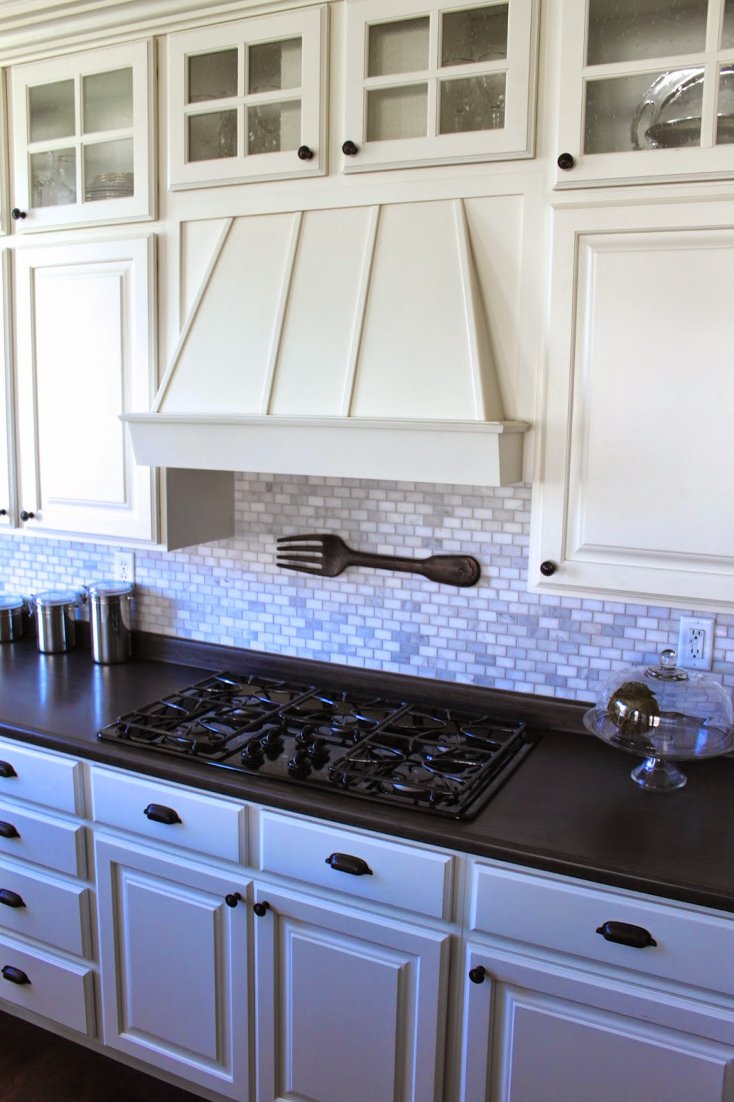 Amy\'s Casablanca: Kitchen Update: Marble Mosaic Backsplash