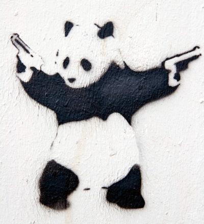 Panda-bjørn graffiti, med pistoler