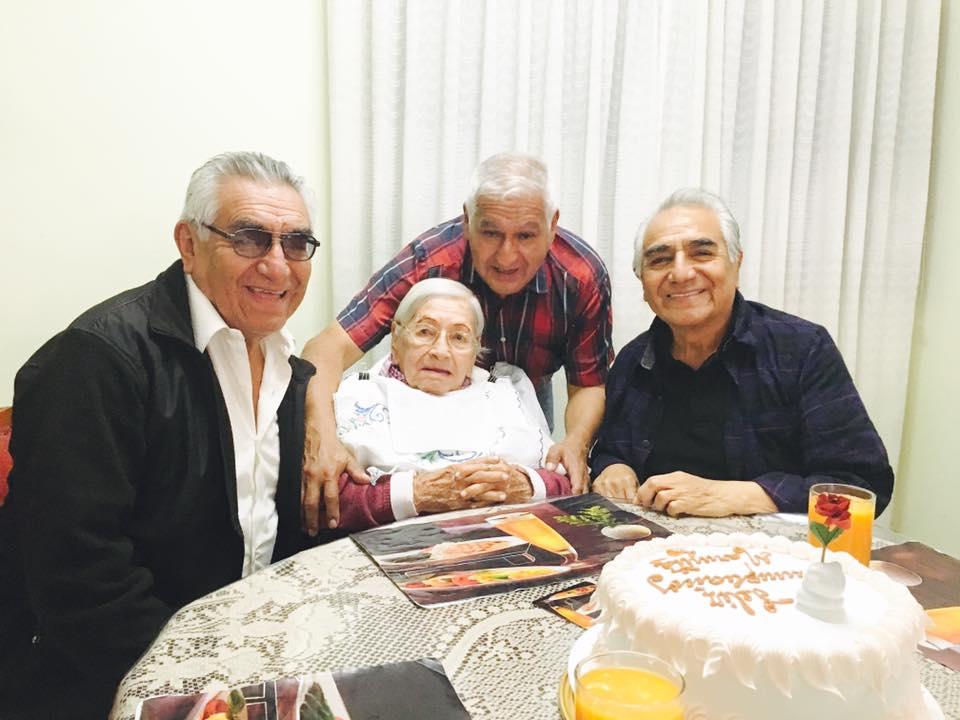 98° aniversario de nuestra querida madre