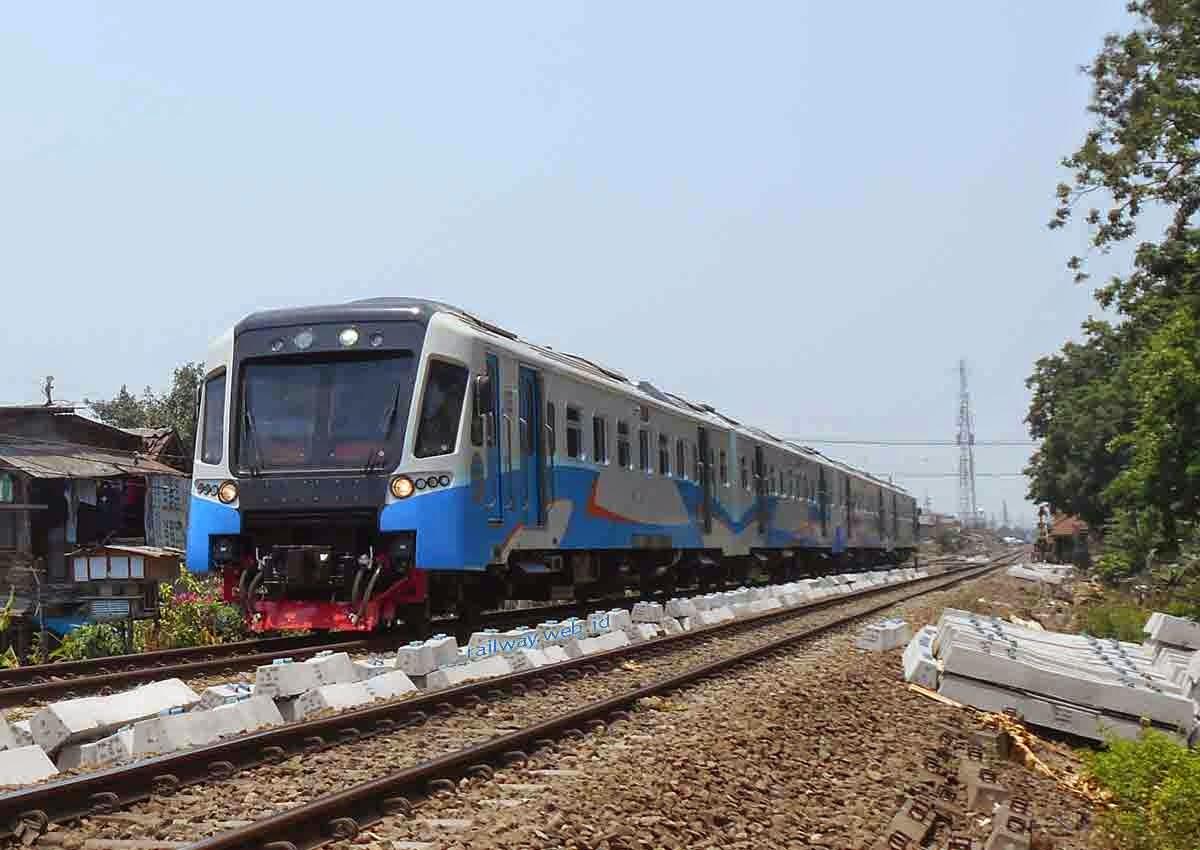 Kereta Api Perintis Surabaya Tulangan Tarik Mojokerto