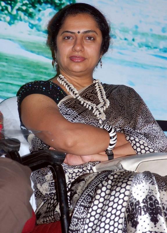 Telugumovieclub Old Heroine Suhasini Pics
