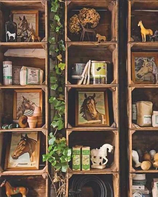 Paletes e caixotes de madeira na decora o de volta ao retr for Cobertizo para herramientas