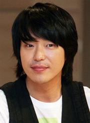 Biodata Uhm Ki Joon Pemeran Kang Hyun Woong