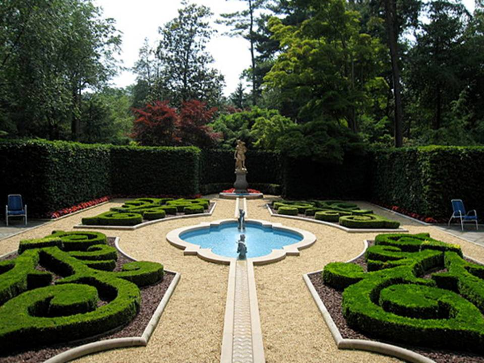 Home Decor 10 Most Luxurious Gardens In The World