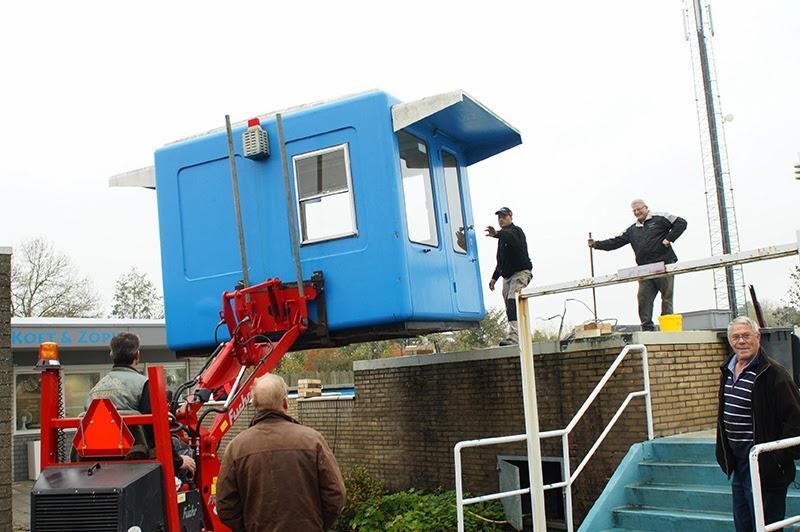 Kockengen net nieuwe toren voor zwembad de koet - Zwembad toren in kiezelsteen ...