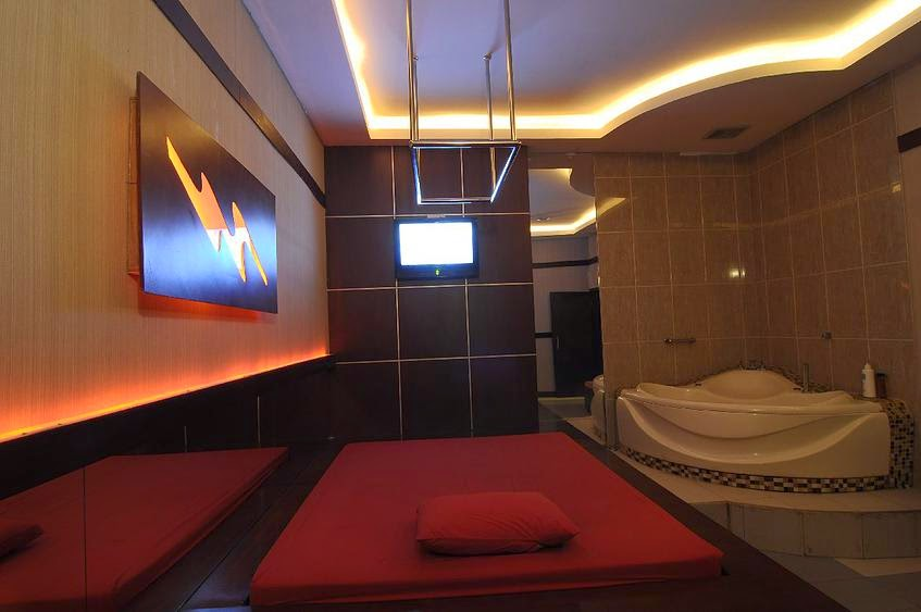 Octopuss Spa and Massage Parlour (Indonesia)