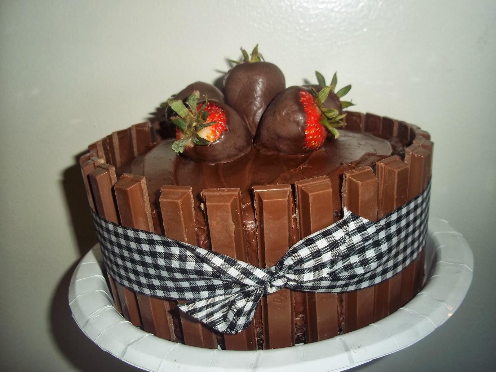 The Daily Smash: Chocolate Dipped Strawberry Kit Kat Cake