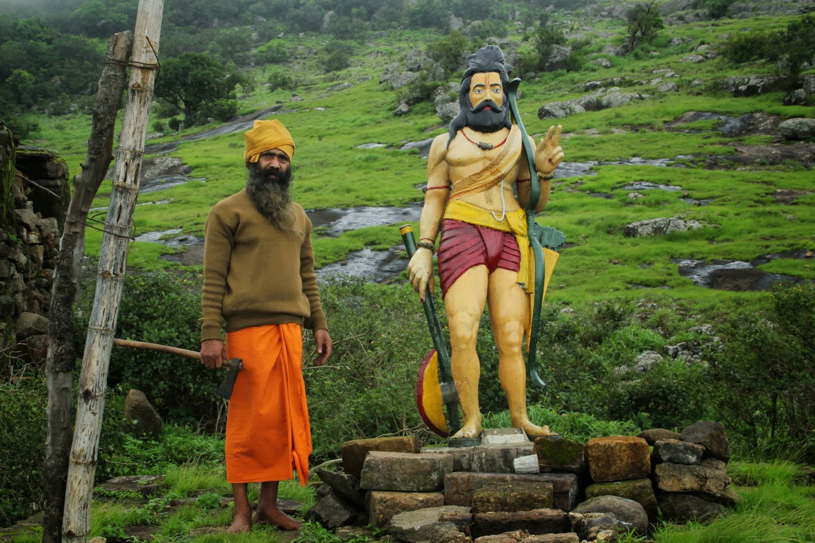 Babaji at Parashuram statue on Mahendragiri