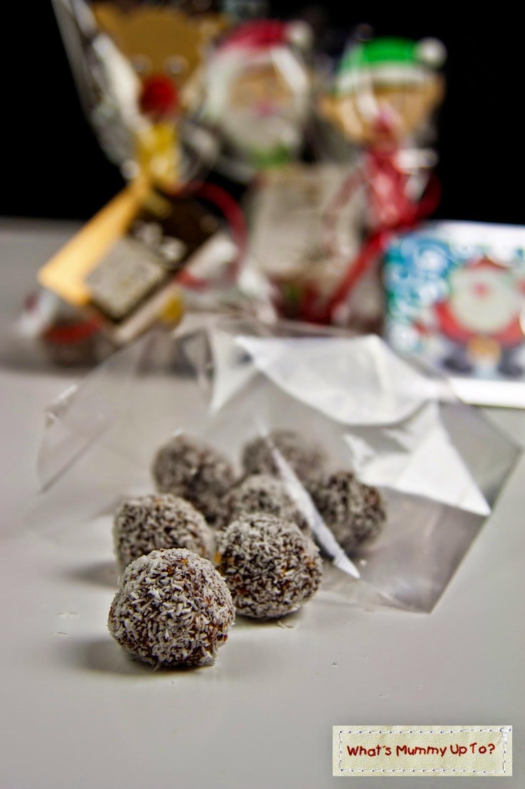 http://whatsmummyupto.blogspot.com.au/2014/12/recipe-chocolate-truffle-balls.html