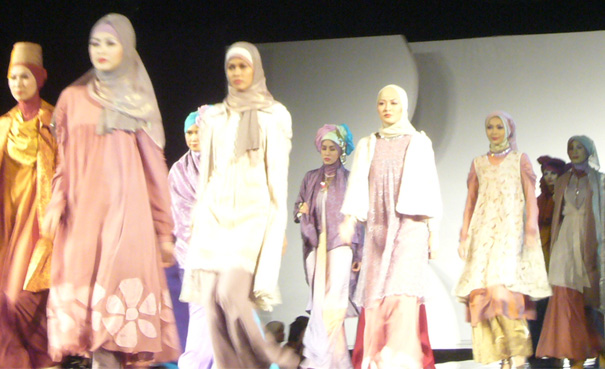 Trend Fashion 2011 Indonesia Fashion Busana Muslim Muslimah Modern