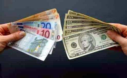 Dollar menguat terhadap Euro
