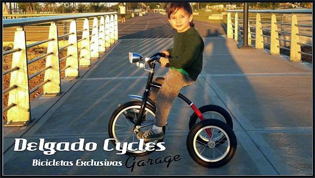 Triciclo retro vintage.