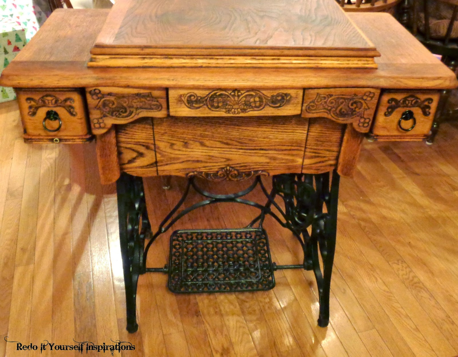 Treadle Sewing Machine Cabinet Treadle Sewing Machine A Granddaughters Treasure Redo It