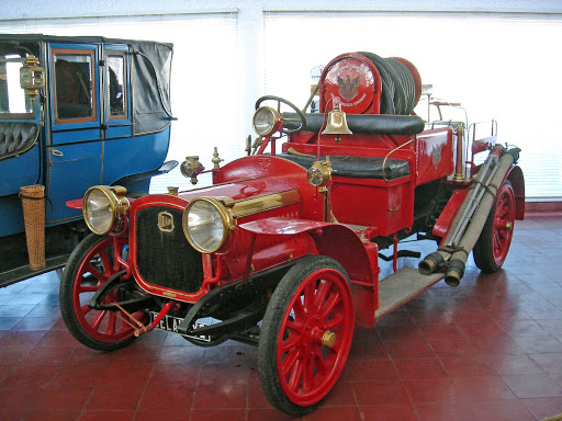 Museo museu de caramulo turismo en portugal for Muebles portugal valenca