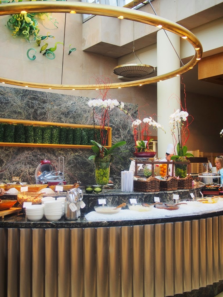 ritz carlton singapore breakfast