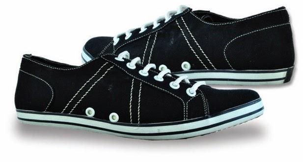 Sepatu: Sepatu Kets Hitam Giardino