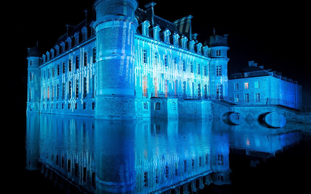 Amazing Blue Castle
