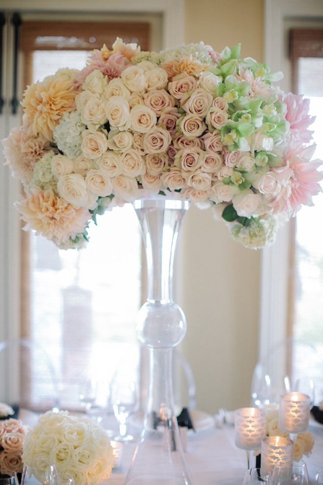 12 stunning wedding centerpieces part 16 belle the for Center arrangements for weddings