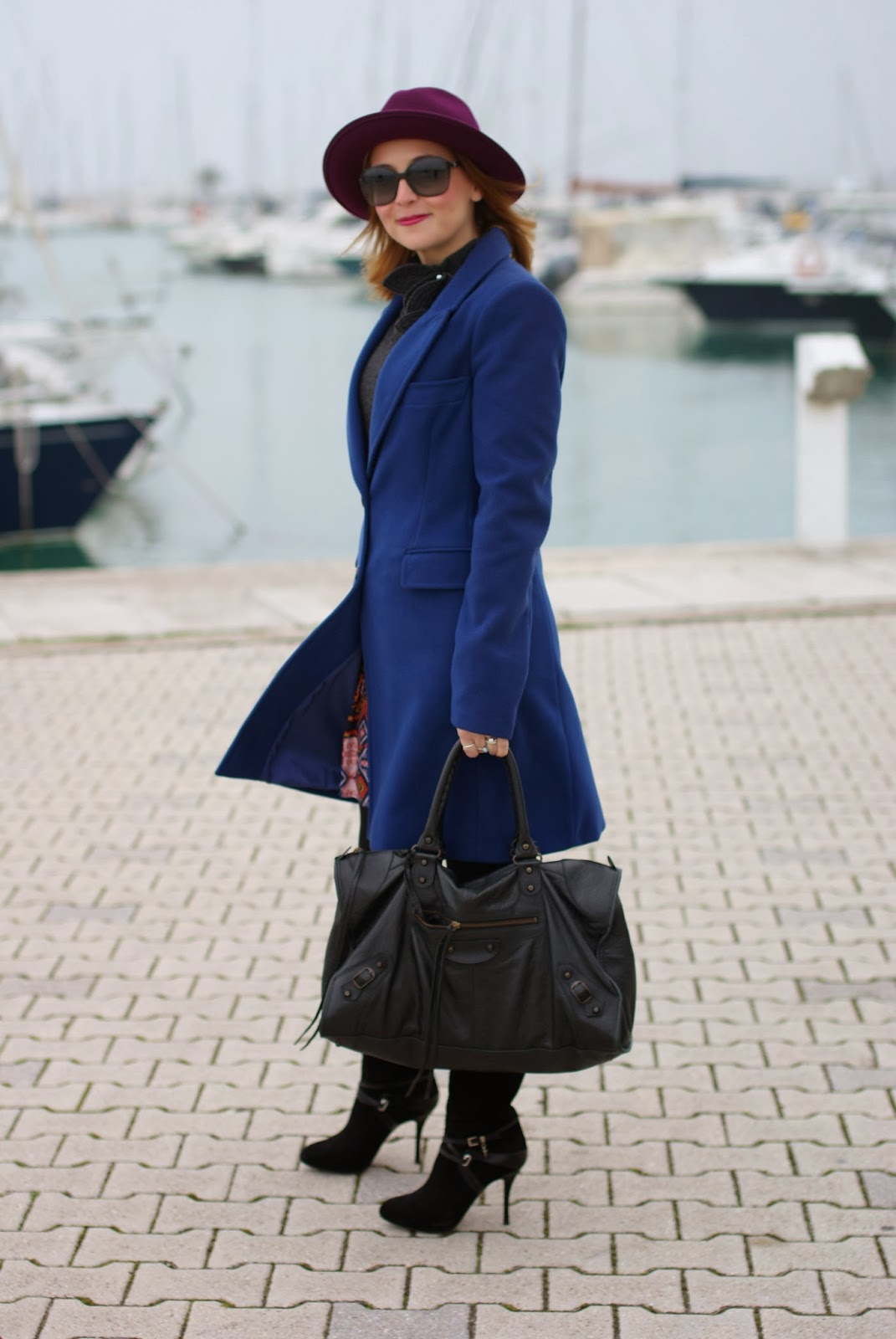 Paola Frani cappotto, Ecua-Andino hat, Cesare Paciotti boots, cobalt blue coat, Balenciaga work bag, Fashion and Cookies, fashion blogger
