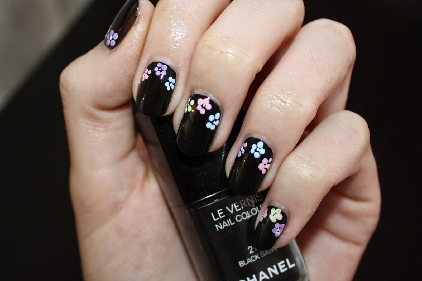 Black & Pastel Floral Flower Nail Art Tutorial
