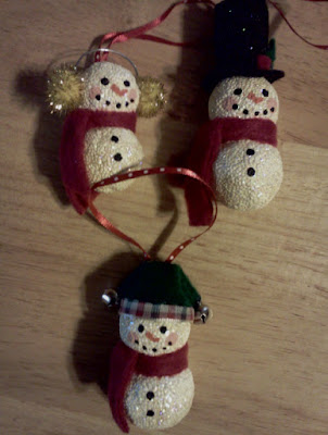 Caroling snowmen 1