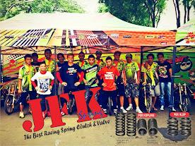 Per Kopling JFK menghantarkan satria fu kolor Ijo meraih Podium 1 Drag Bike Senayan Jakarta