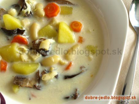 Fazuľová polievka s hríbmi a vajcom - recepty