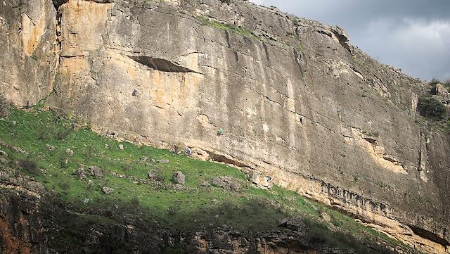 Escaladores en el Pontón de la Oliva