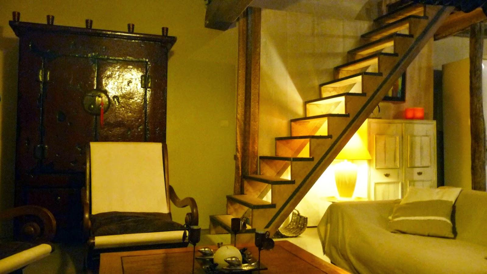 d coration architecture home staging l 39 escalier une piece importante dans la maison. Black Bedroom Furniture Sets. Home Design Ideas