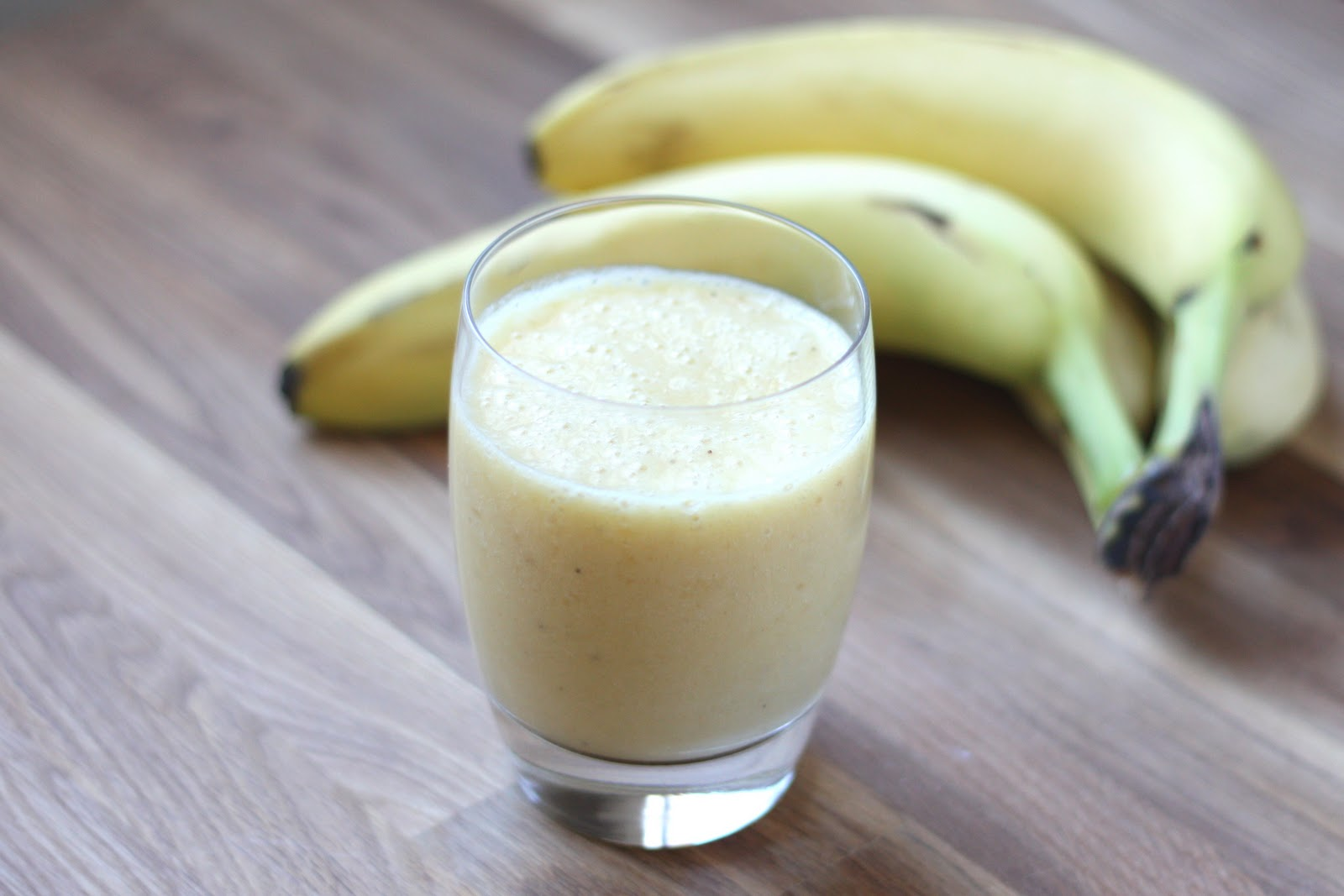 Как сделать банановый коктейль: 7