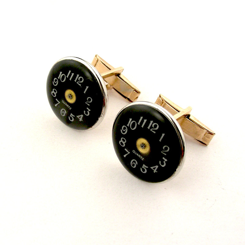 07-Black-Watch-Cufflinks-Nicholas-Hrabowski-Steampunk-Jewelry-from-Recycled-Watches-and-Bullets-www-designstack-co