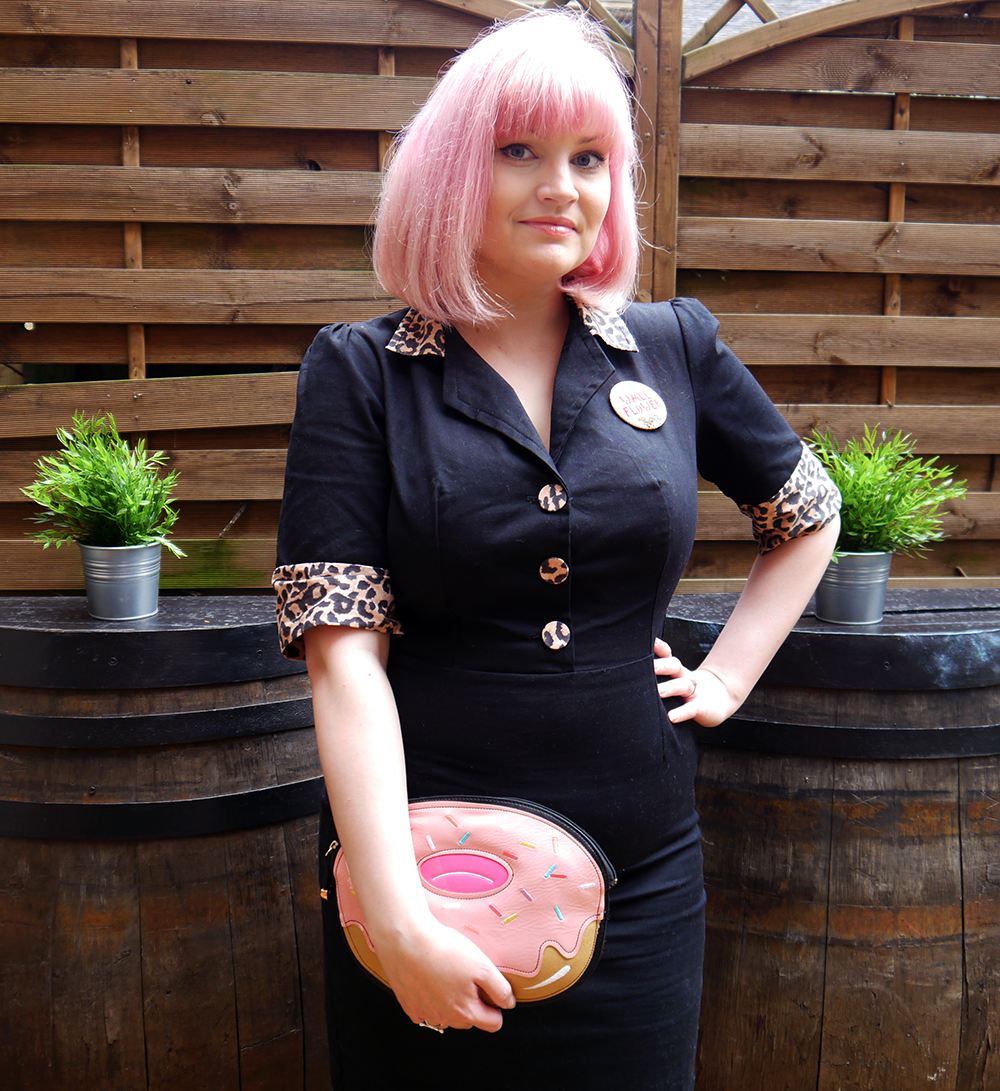 Tara Starlet, leopard print, pink hair, Cilla Black style, doughnut, novelty handbag, big bangs, retro style, Metropolitan Fashion Show, Scottish Fashion Blogger of the year 2015, award winning blog