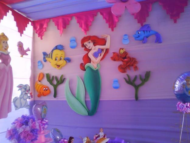 Decoraciones de fiestas infantiles de princesas auto for Decoracion de princesas