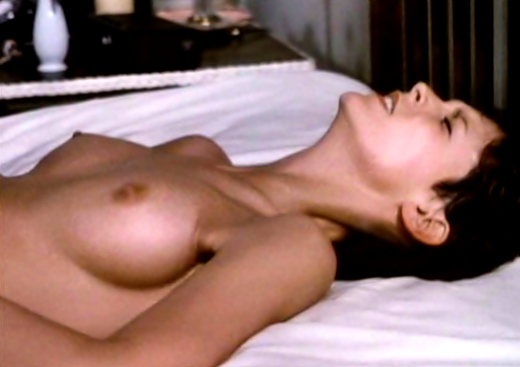 jamie lee curtis naked