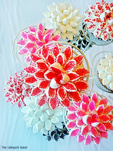 Cake Decorating Marshmallow Flowers : Marshmallow Flower Cupcakes