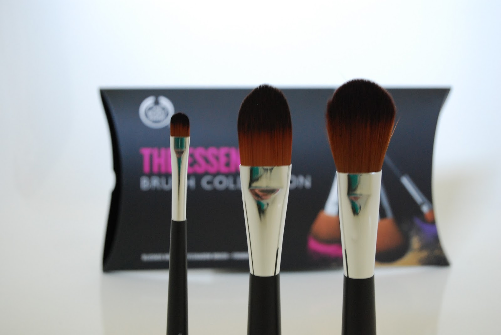 The Body Shop Essential Brush Collection Foundation Eyeshadow Blush