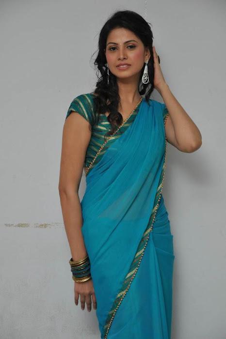 nadu supriya shailja saree , cute stills