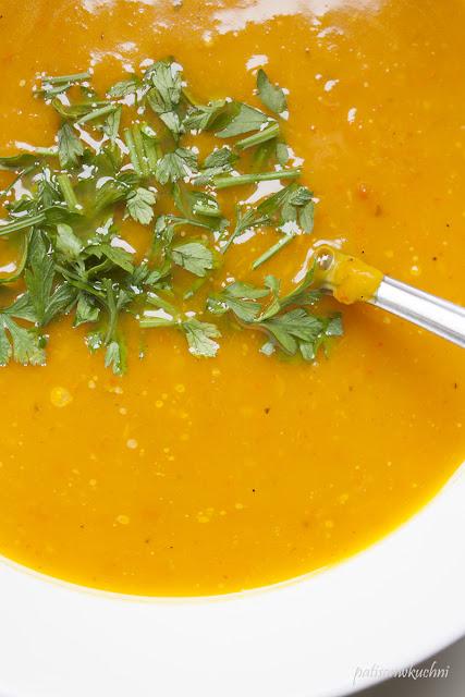 Zupa z dyni hokkaido.