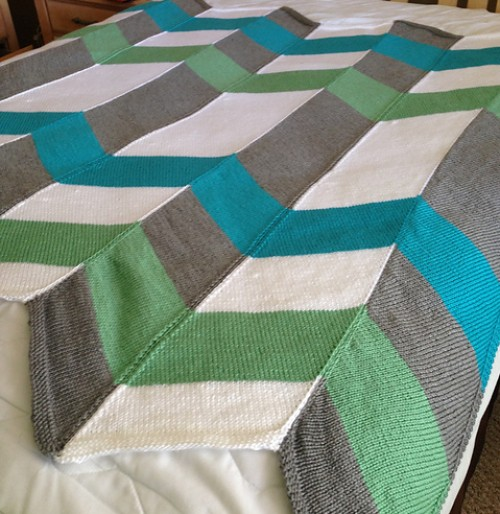 Color Pop Chevron Blanket - Free Pattern