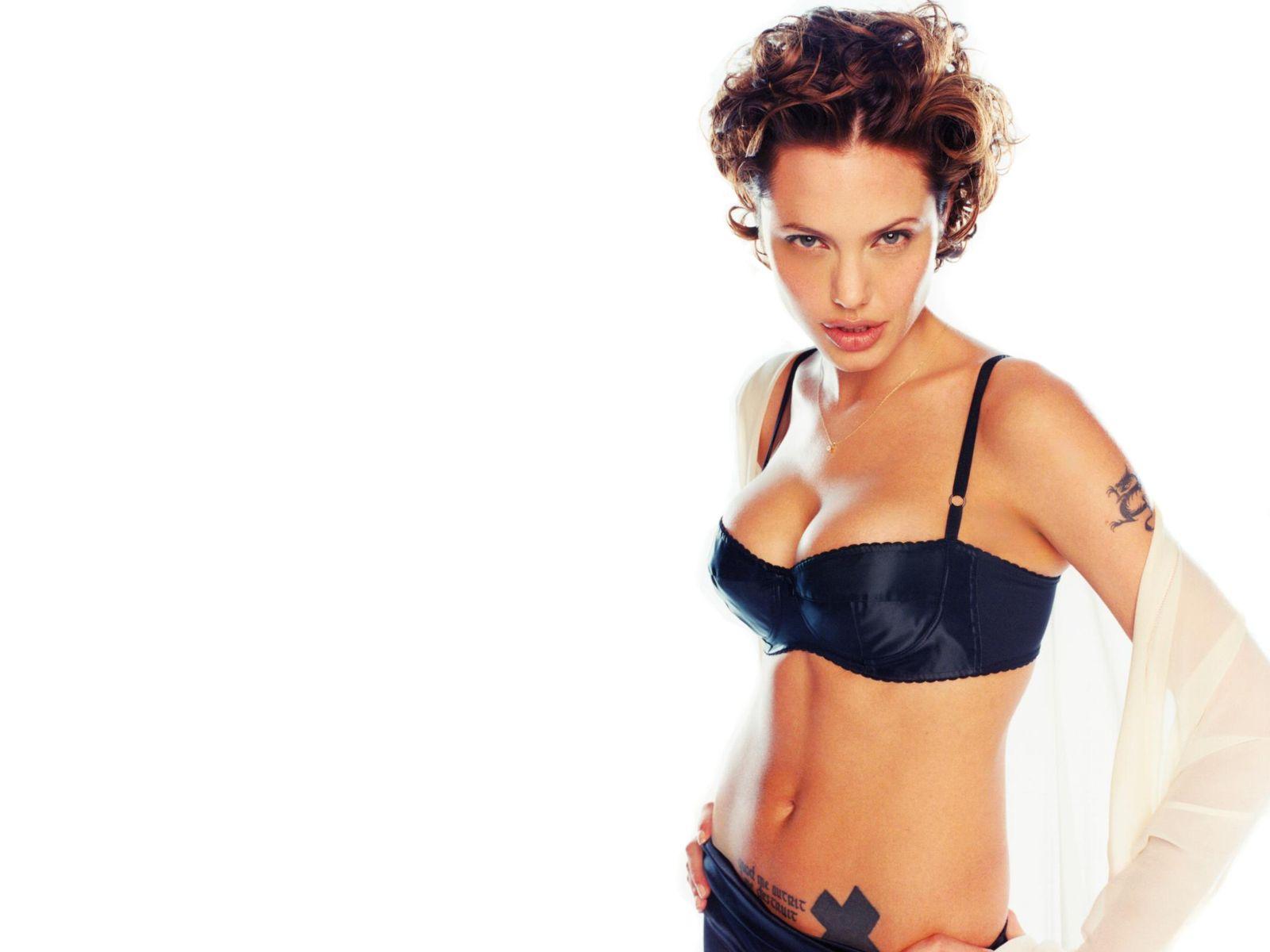 http://4.bp.blogspot.com/-c0SDTXBTWxI/TZOimJpx5EI/AAAAAAAAAlg/dcdOrQALxuE/s1600/Angelina-Jolie+0+%252845%2529.jpg