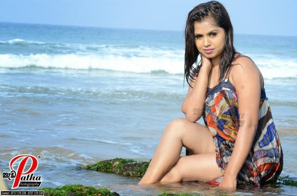 Tharu Arabewaththa wet sexy